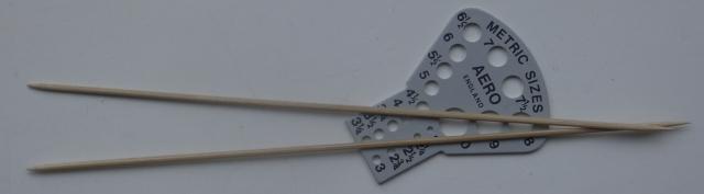 Skewer knitting needles
