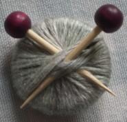 Knitting brooch