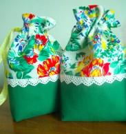 2 drawstring bags